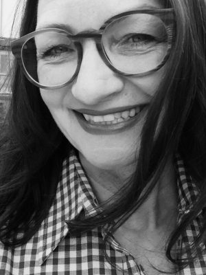 Dr Karin Manz